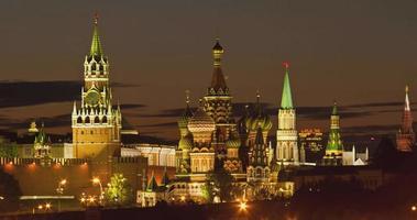 Russia. mosca - 2013: vista tl del cremlino di notte.