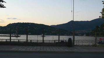 Italien Dämmerung Sommer Como See Zebrastreifen Bucht Panorama 4k