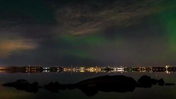 aurora boreale sul mare