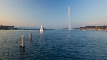 Lago di Ginevra e fontana timelapse video
