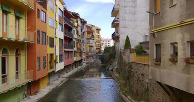 camprodon mountain town coloridas casas 4k espanha video