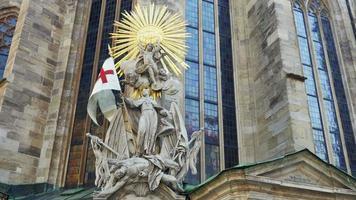 mort janissaire sculpture vienne siège memorial autriche video