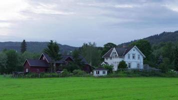 notti bianche a mezzanotte, villaggio vicino a oslo, norvegia
