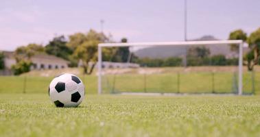 giocatore di football che segna un gol video