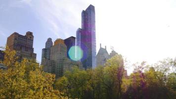 USA Sommertag New York City Central Park berühmte Gebäude Panorama 4k
