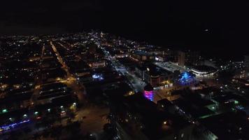 video aéreo miami beach en la noche