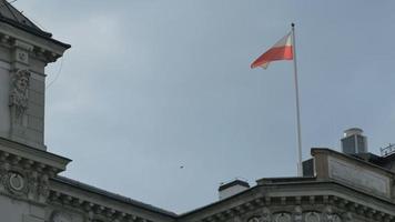 drapeau de la pologne sur poteau video