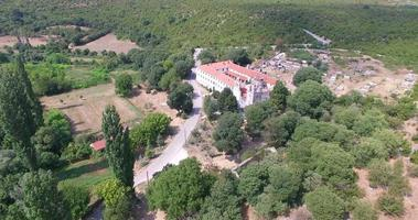 vista aerea del monastero di krupa, croazia video