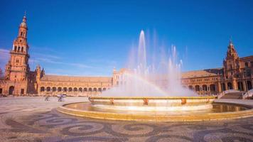 sonniger tag sevilla palast von spanien regenbogenbrunnen panorama 4k zeitraffer spanien