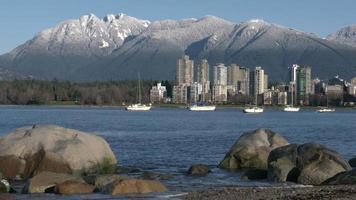 torri di Vancouver, neve di montagna, costa della baia inglese