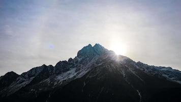 Cordillera del Himalaya en nepal.Thamserku mountain.time lapso.