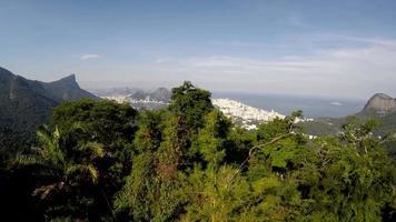"Vista aérea de Río de Janeiro, el famoso spot ""Vista Chinesa"", Brasil video"