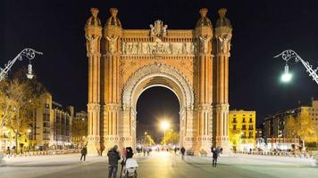 Nachtlicht Barcelona Arc de Triomf Center Walking Street 4k Zeitraffer video