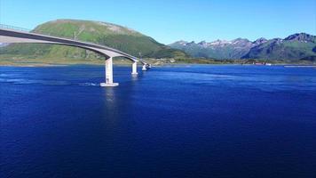 ponte gimsoystraumen nas ilhas lofoten video