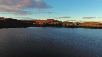 un lago in Ontario in autunno | Canada