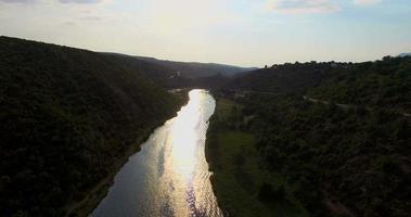 vista aérea del hermoso río zrmanja video