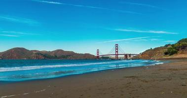 Time-lapse pour le pont du Golden Gate par Baker Beach, San Francisco