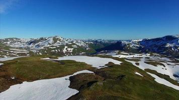 paysage montagneux de la norvège depuis les airs