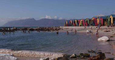 piscina de maré em St. James Beach Cape Town video