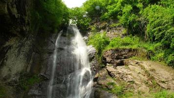 makhuntseti waterval, acharistskali, coruh rivier, batumi, georgië