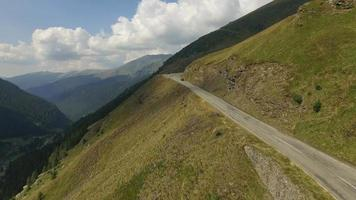 4 k toma aérea de la carretera transfagarasan video