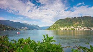 Italien Sommer sonniger Tag Como See Blue Sky Bay Panorama 4k Zeitraffer