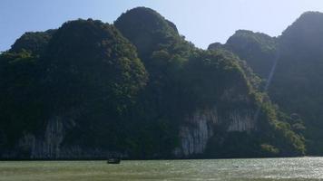 Tailandia verano luz famoso panorama de las montañas de las islas phuket 4k video