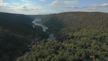 Video aéreo 4k del parque nacional krka