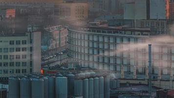 Bielorussia minsk mattina fumo città tetto panorama superiore 4K lasso di tempo