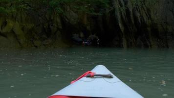 Thailandia giornata estiva famose isole escursione kayak naso ride vista 4K