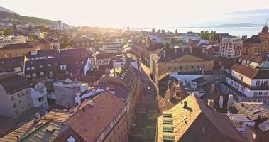 Luftaufnahme von Neuenburg mit einem schönen sonnigen Tag, Schweiz video