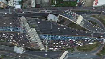 vista aérea de pedágio na via expressa