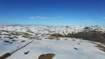route de montagne aurlandsfjellet en norvège, vue aérienne.