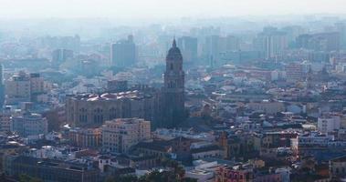 Catedral principal de la vista superior del centro de la ciudad de 4k málaga