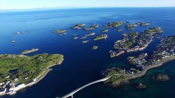 vila de pescadores henningsvaer nas ilhas lofoten, noruega video