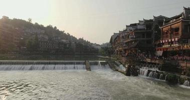 antica città di fenghuang al tramonto