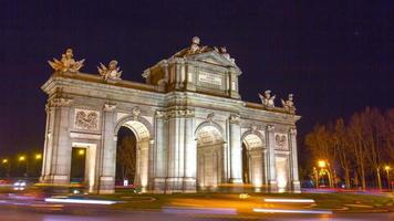 night light madrid traffic circle arch de triumph 4k time lapse spain