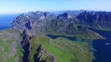 picos nas ilhas lofoten na noruega video