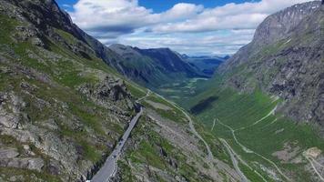 vista aerea della strada di trollstigen in norvegia