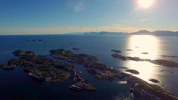 Village de pêcheurs de Henningsvaer sur les îles Lofoten, Norvège
