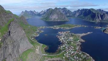 acima das rédeas nas ilhas lofoten na noruega video