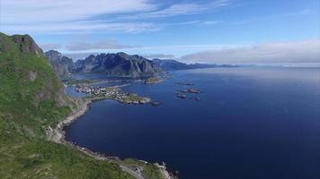 incrível litoral norueguês nas ilhas Lofoten video
