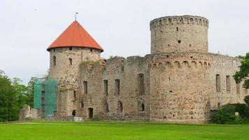 castillo de cesis, norte de letonia