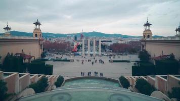 vista del palazzo nazionale reale di Barcellona il lasso di tempo di plaza de espana 4K