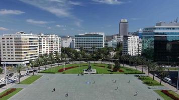 volare al monumento della repubblica di Izmir video