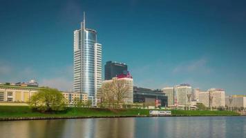 Bielorussia estate giorno centro città fiume baia prospettiva panorama 4K minsk video