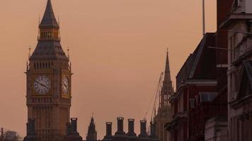 Primer timelapse vespertino del Big Ben (Elizabeth Tower) en Londres, Inglaterra, Reino Unido. video