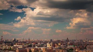 Russland Sommer sonniger bewölkter Tag Moskau Stadt Panorama 4k Zeitraffer video