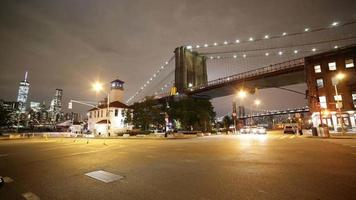 brooklyn bridge night light street 4k time lapse de ny eua video