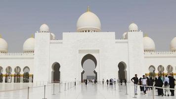 entrada turística da mesquita principal luz do dia de verão dos eua 4k video